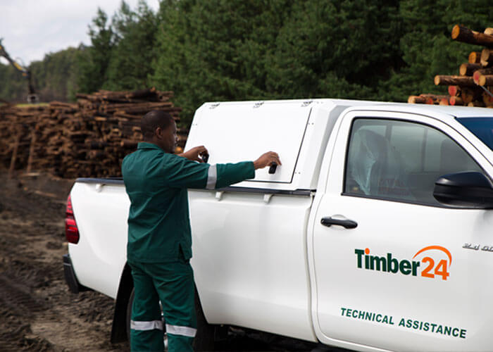 RSI SMARTBOX® - Toyota Hilux Canopy For Field Service - REVO - Forestry